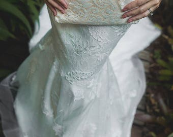 Bridesmaid Lace Clutch in Pastel Peach Cream  - FLEURETTE