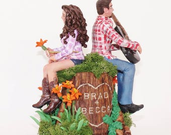 Country Wedding Couple on a Polymer Clay Wedding Cake Topper Tree Stump