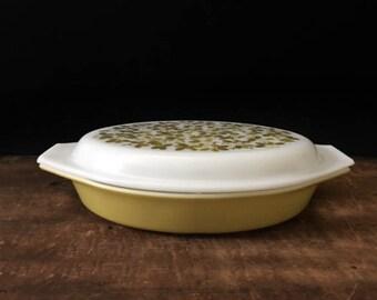 Pyrex Verde Casserole, Divided Dish, Green Flowers, Yellow-Green, Retro Kitchen