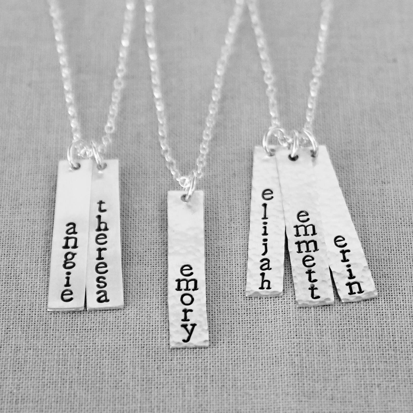 mothers necklace kids names vertical bar necklace vertical. Black Bedroom Furniture Sets. Home Design Ideas