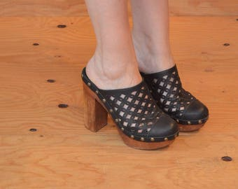 Unique Black Cut Out Wooden Platform Clog Sandals Slips On SZ 8.5 / 9