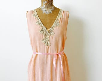 Vintage 1920s Peach Color Slip/Vintage lounge wear/Ribbonwork rosettes/flapper dress/V neck/Pink ribbon