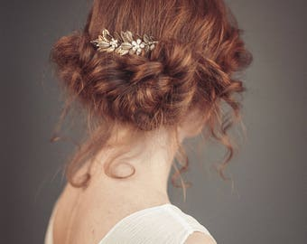 Floral bridal hair comb - Gold floral hair comb - Gold hair comb - Wedding hair piece - Wedding hair comb