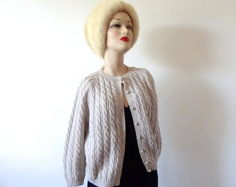 1950s-60s Cardigan Sweater, vintage rosy biege cable knit sweater size M/L