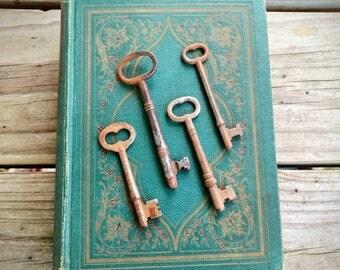 Antique Skeleton Keys ~ Rustic Keys ~ Set of 4 Collectible Keys