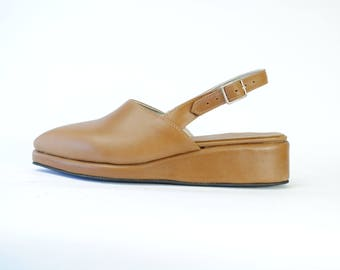 PIPER. Closed Toe Straped Wedges- Pointy toe - Caramel leather - All sizes
