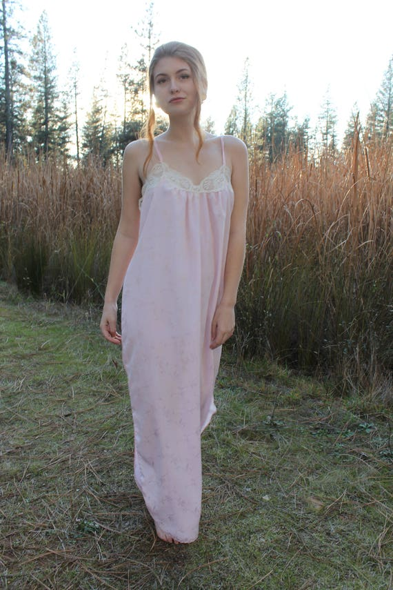 DAWN Night Gown Vintage 1970's Dress Maxi Nightie Pale Pink Intimates Lace Trim