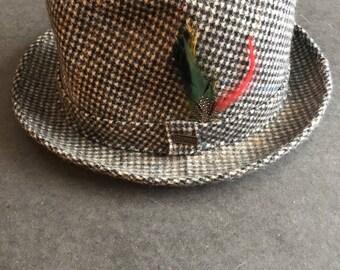 Vintage Dobbs Fifth Avenue New York Plaid Tweed Feather Fedora Hat Size 7 3/8