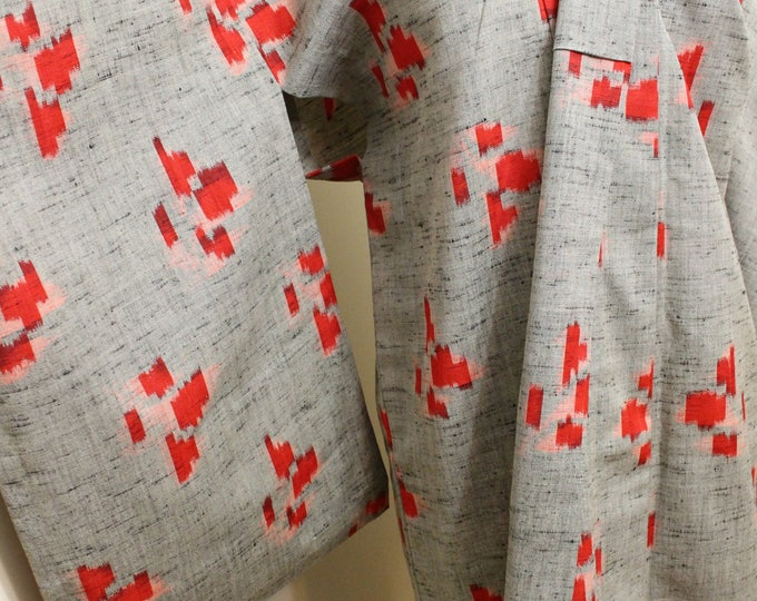 Japanese Vintage Kimono. Cotton Woven Ikat Kasuri Robe. Abstract Design. (Ref: 1481)