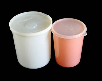 Republic Freezette II No. 306 Plastic Container Eagle Superseal Peach Round Storage Canister Push Pull Lid