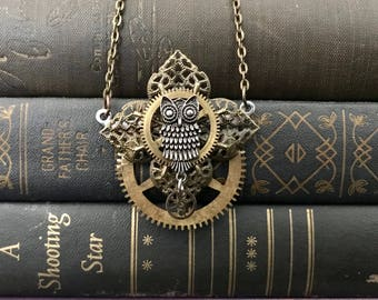 Steampunk Owl Necklace- Owl Necklace- Owl Jewelry- Assemblage Necklace- Steampunk Gear Necklace- Steampunk Costume- Steampunk Wedding- Owls
