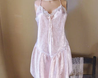 Pink Christian Dior Baby Doll Nightie, Size M, Shortie Nightgown, Pastel Pink Flocked Floral Gown with Lace