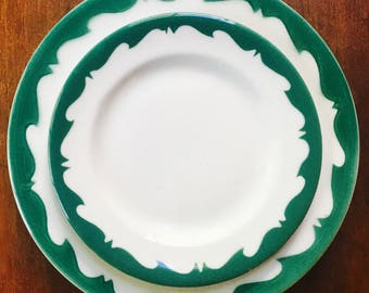 Set of Four Dinner Plates, Wide Green Wave Airbrushed Rim, Restaurant Ware by Sterling China ca. 1940s