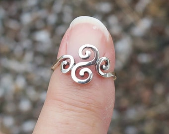 Vintage 925 Sterling Silver Celtic Swirl Ring