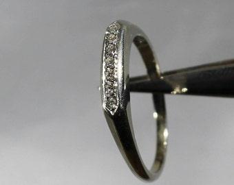 14K White Gold 7 Diamond Wedding Band R189
