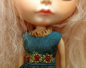 roses dress - for Blythe