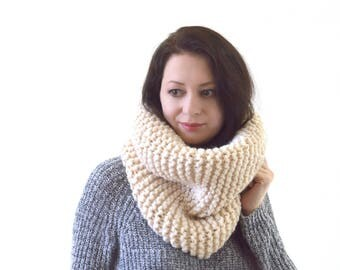 Chunky Knitted Cowl Scarf Neck Warmer | The Tallin