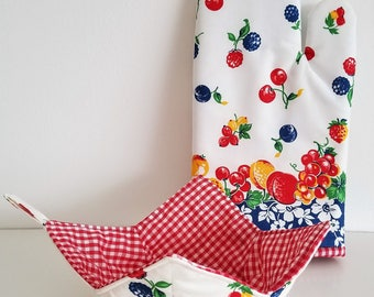 Vintage Fruit Oven Mitt and Bowl Cozy Set, Kitchen Mitt, cherries, berries, peaches, plums, cozies, bake, cook, microwave