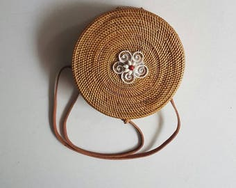 Round Rattan Beach Bag Seashell Flower (Plain Weave)