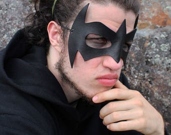Superhero Mask / Nightwing Mask / Leather Mask / Handmade / Cosplay Mask / Dick Grayson / Black Mask / Robin/ Costume Mask / Adjustable Cord