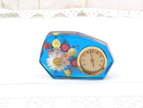 Vintage Mid Century 1960s Decorative Thermometer in Blue Transparent  Resin with Dried Flowers, Novelty 1970 Retro Temperature Instrument