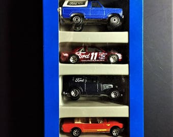 Hot Wheels 5 Vehicle FORD Giftpack 1994 New In Box #12404 - 32' Ford Delivery - 3-Wdw 34' - 65 Mustang - T-Bird Stocker - Bronco 4-Wheeler