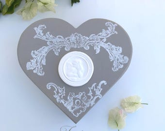 Box wood taupe & white heart 17 cm
