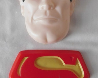 Vintage 1977 Wilton Cake Pan Superman face and insignia