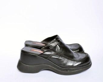 Vintage 90's Black Faux Leather Slip on Platform Clogs / Black Leather Platform Mules