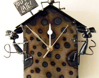 """Mouse Pendulum Clock reminding you that """"YOU'RE LATE!"""""""