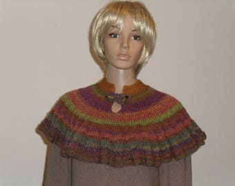 Knitted colorful short Cape