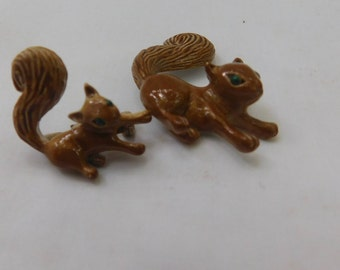 Vintage Gerrys squirrel pins=signed Gerrys cute mother and baby squirrel pins=2 pins,one price=brown squirrels with green eyes pins