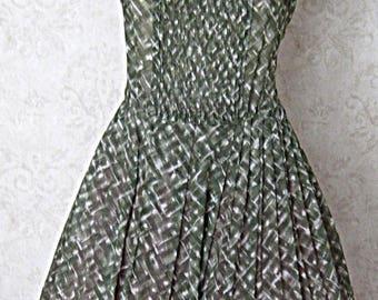 Vintage 1960s Pleated Sleeveless Tucker Grossman Fit & Flare Dress 1950s