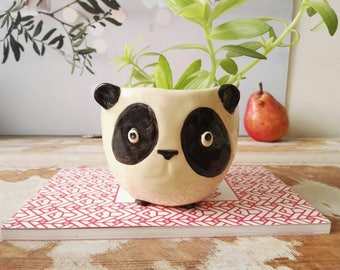 Squatting panda plant pot