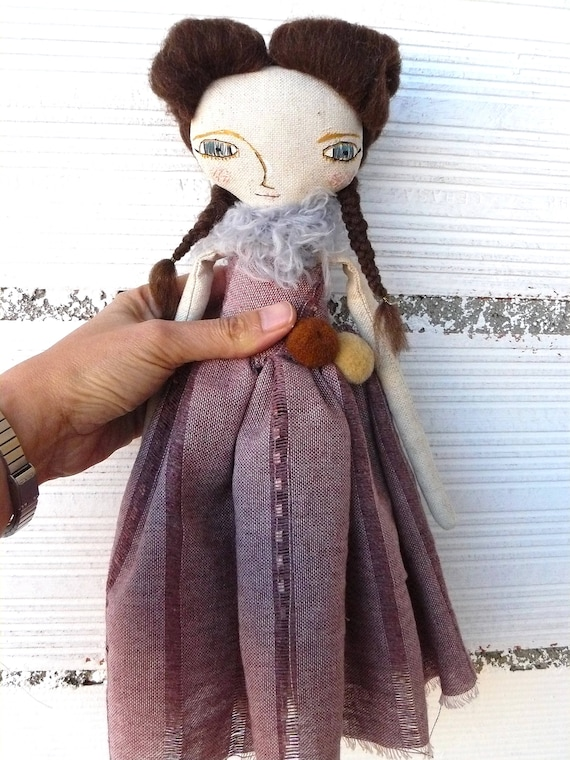 Art doll in cotton and wool hair. 32 cm.