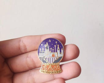 Hogwarts Globe Harry Potter Enamel Pin (Harry Potter, Hogwarts enamel pin, Hogwarts Harry Potter, Hogwarts, Hogwarts Snow Globe)