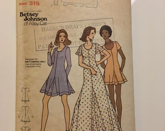 Vintage 1970s Sewing Pattern - Butterick 6975 - Betsey Johnson Dress