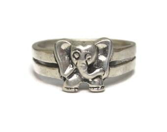 Vintage Sterling Elephant Ring Size 4.75