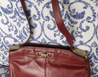 Vintage Etienne Aigner oxblood cordovan leather shoulder handbag
