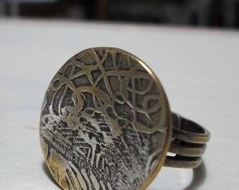 ring circular arabesque engraved on brass