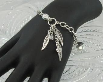 Leaves & Believe charm bracelet