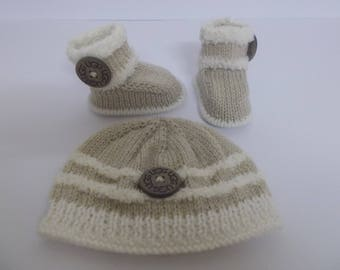 Hand Knitted Baby Booties and Hat, Baby Booties, Baby Slippers, Baby Hat, Baby Shower Gift, Baby Crib Shoes, Baby Boots, New Baby Gift