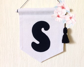 Initial canvas banner Initials flag Pennant mini Personalized wall art Kids room Home Dorm Decor 6.7 x 8.3 in Felt Fabric customizable