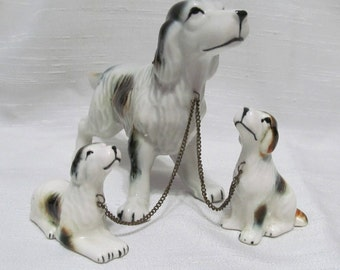 English Setter Dog Figurine with 2 Pups Chained Porcelain Japan Vtg