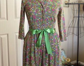 60s green floral dress | retro green ditsy flower dress