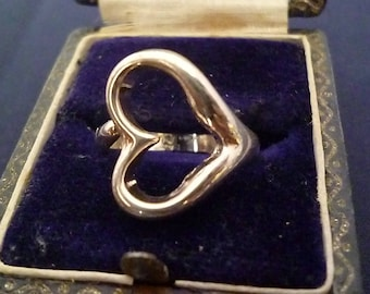 A pretty silver heart ring - 925 - sterling silver - UK H - US 4 - D