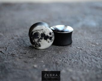 Pair Plugs Full moon image ear wooden tunnels 4,5,6,8,10,11,12,14,16,18,20,22,24-60mm;6,4,2g,0g,00g;1/4,5/16,3/8,1/2,9/16,5/8,3/4,7/8,1 1/4""