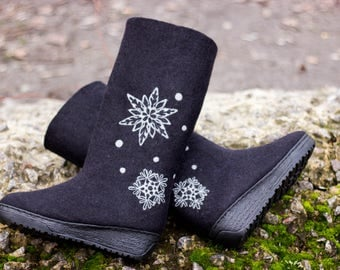 Women Felt  Valenki Boot Eco High Snowflake Snow Felted Black Wool Shoes Wife Birthday Gift Platform Boots Natural Warm Winter Pattern