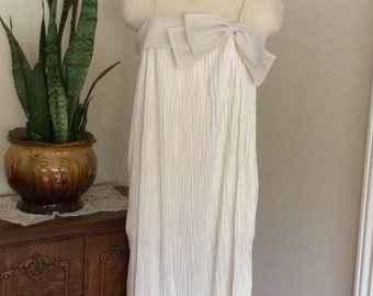 Vintage 1970's  Prago Fashions LTD Union Made/Cream color Pleated  Dress with Bow Size Small-Med