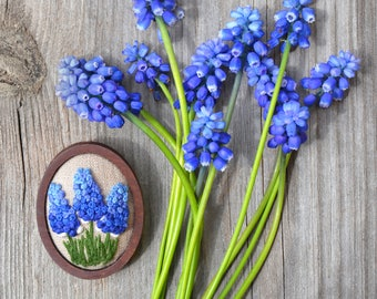 Embroidery Brooch with Muscari Flowers in Wood Frame Gift for wife Embroidered jewelry for mom